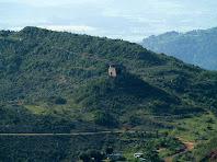 El Castell de Montmany des de la Trona