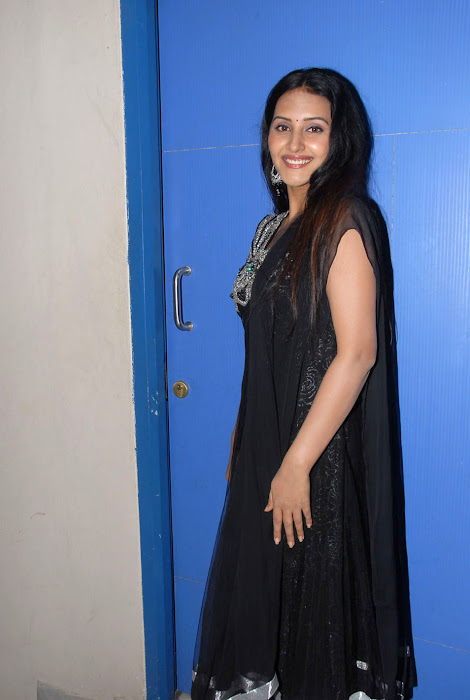 ayshackka at facebook movie logo launch, ayshackka actress pics