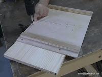 Atornillar la tabla al carro. www.enredandonogaraxe.com