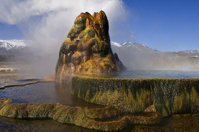 grey نبع الماء الطائر نبع بصنع الإنسان من أجمل الينابيع حول العالم