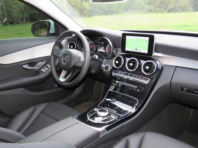 Mercedes-Benz C180 Avantgarde 2016 - Interior