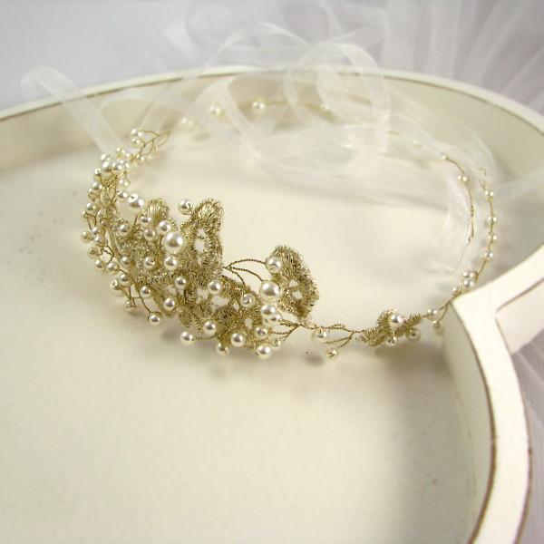 Opaska ślubna z perłami i koronka