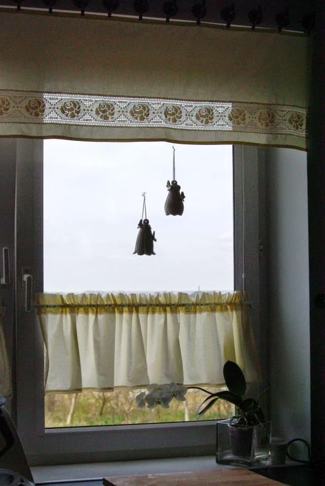 co do kuchennego okna, zazdroski do kuchni, okno kuchenne, kuchenne okno, zazdroski z koronką