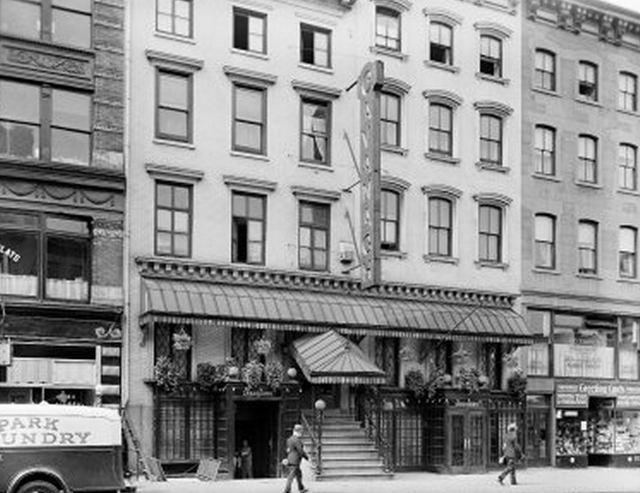 Old photos of new york 39 s restaurants vintage everyday for 19 hamilton terrace nyc