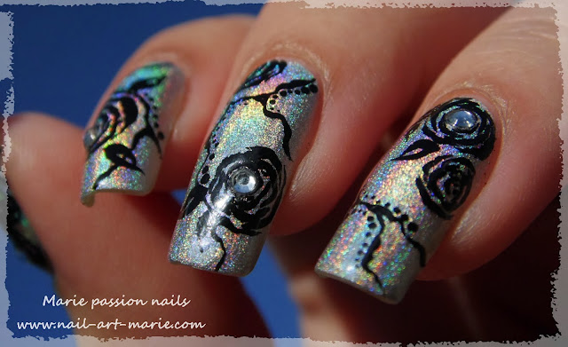 Nail Art Roses noires7