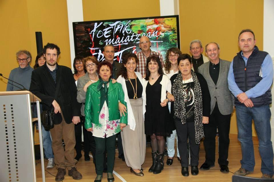Elenco del recital de la presentación del II festival de poesía: Poetas en Mayo en Vitoria - Gastei
