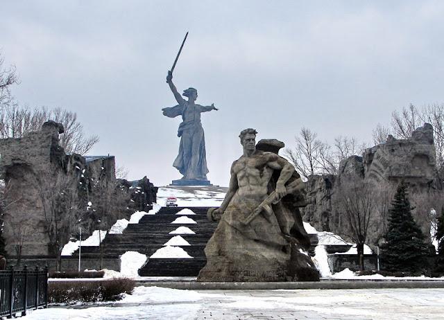Monumento ¡La Madre Patria Llama! Dsc08814
