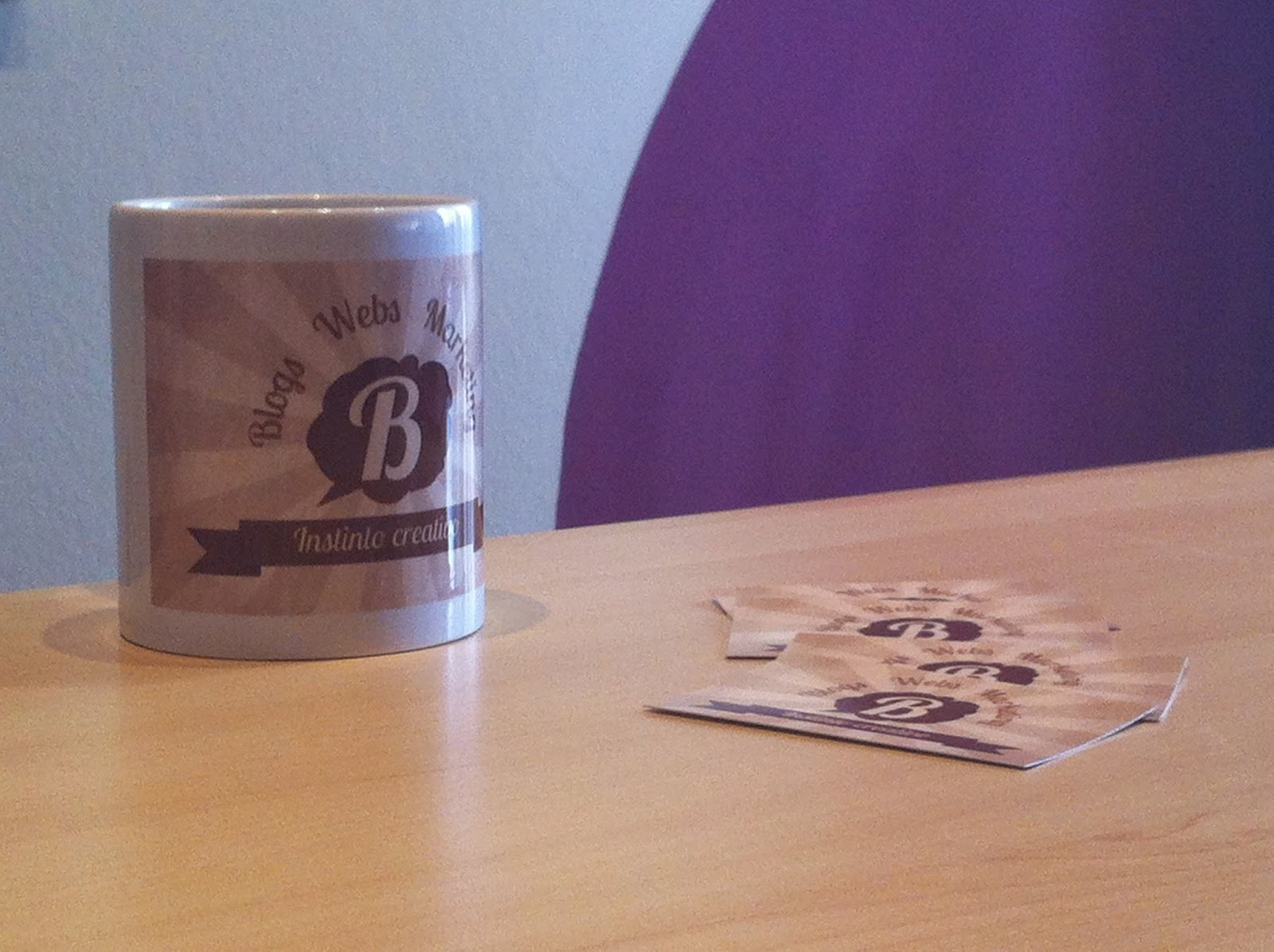 Las tazas y tarjetas visita de Bloggorium
