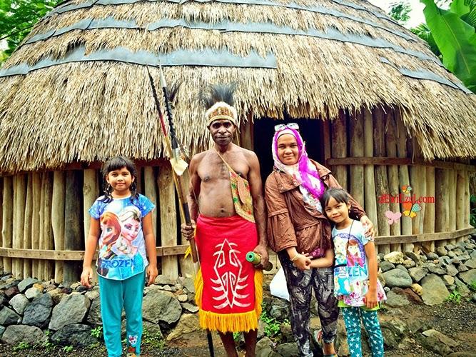 foto dengan papua di Bali dimana?