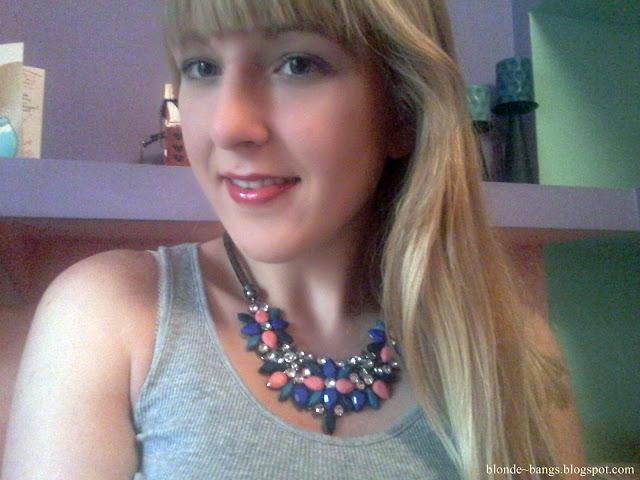 http://www.dresslink.com/hot-fashion-new-design-retro-style-colorful-rhinestone-flower-choker-necklace-p-19060.html?utm_source=blog&utm_medium=cpc&utm_campaign=Zofia534