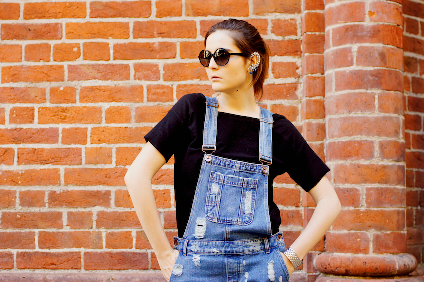 salopette di jeans look