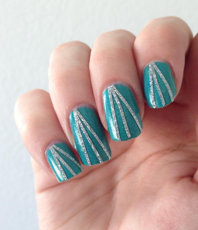 nail art green silver