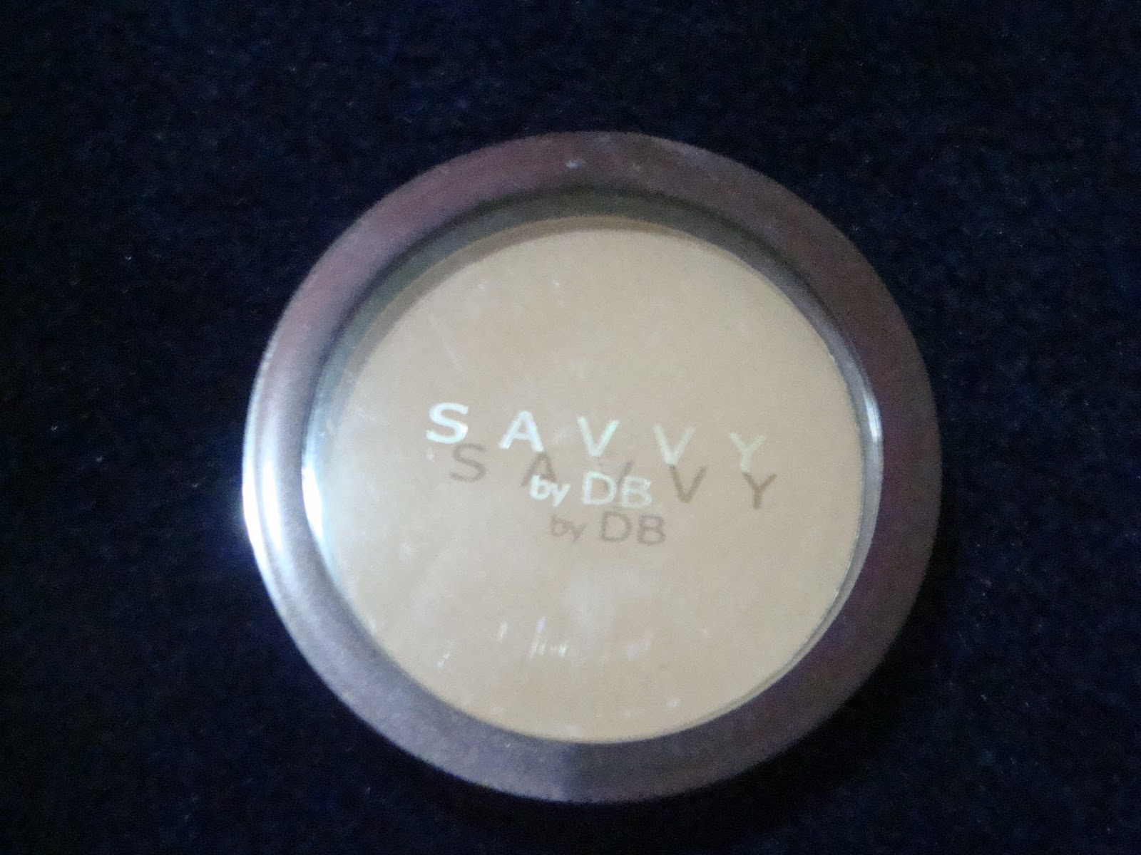 DanniiBeauty Translucent pressed powder by SAVVY by DB