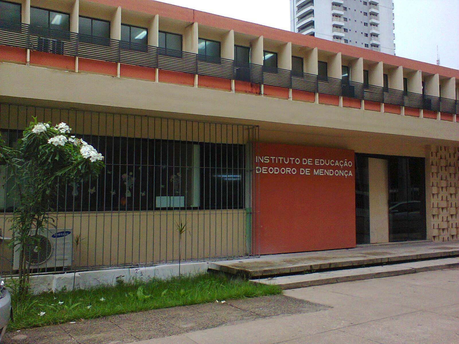 Escola Deodoro de Mendonça/Foto: Léa.