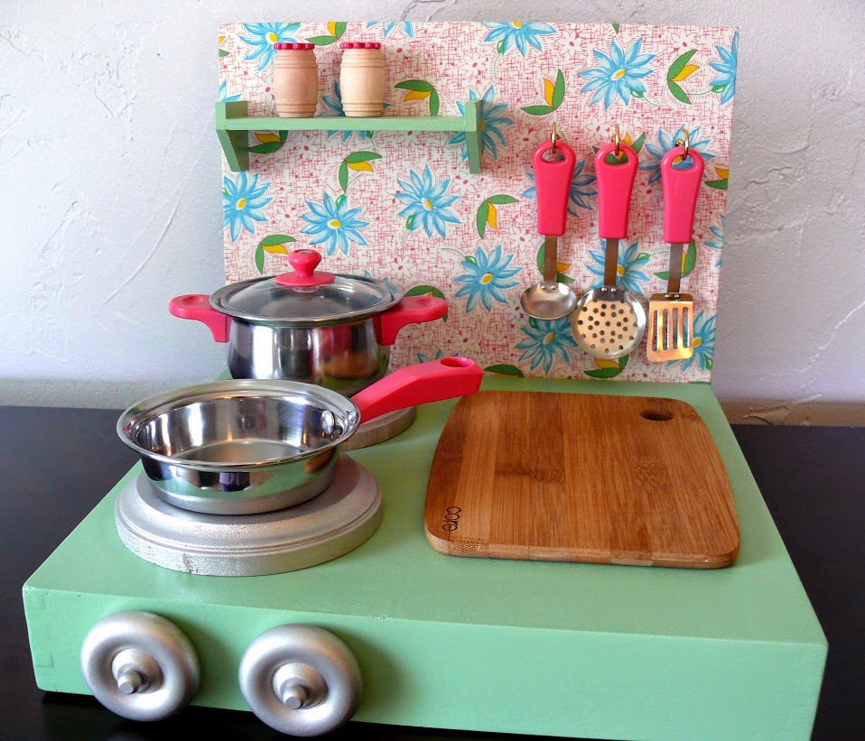 Dirt Cheap Decor!: Play Kitchen And Food DIY