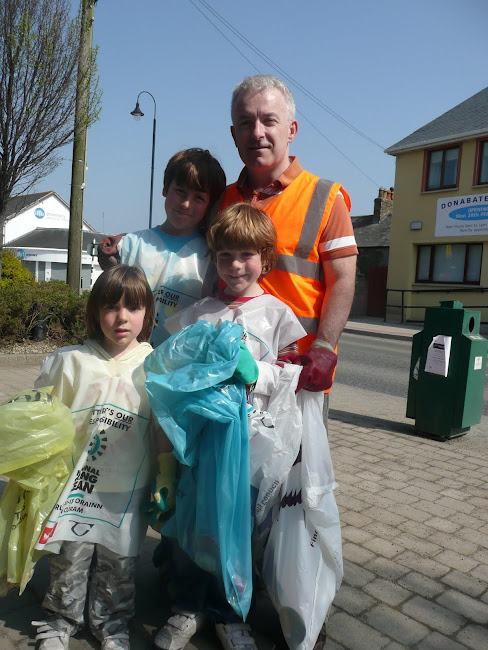 Volunteers doing their bit for the 2011 Spring clean.