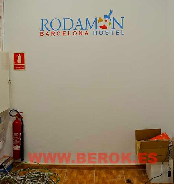 Rotulación pintada a mano de letras de logotipo