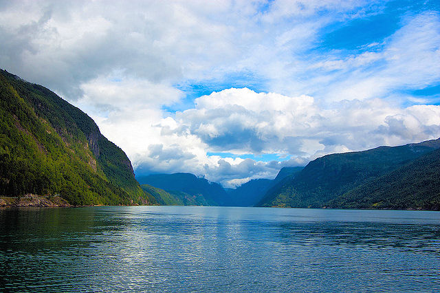 The awe-inspiring Hardangerfjord on Norway's west coast. Photo: Tacker.