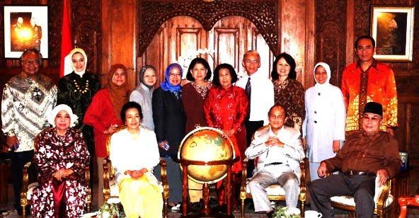 marissa haque Pak Habibie, Orbit, YAyasan, 18 Des 2010