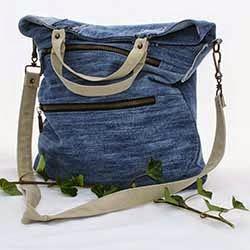 Handgemaakte tas van spijkerstof, hergebruikt materiaal