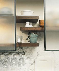 Houten keuken - Ongewoon behang ...