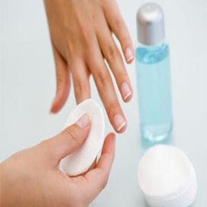 Remove a nail polish