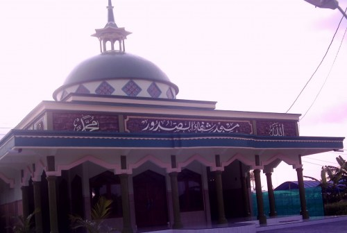 Masjid Baitul Mukhlishin Mempercantik Masjid