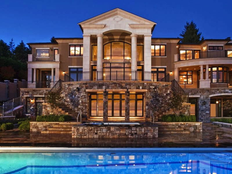 Tricked out mansions showcasing luxury houses for Big houses in america
