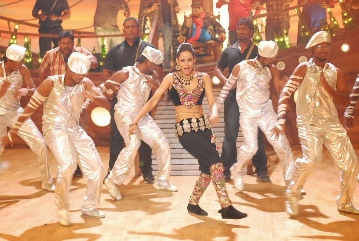 Bold Mumaith khan hot photo gallery in kevvu keka telugu movie