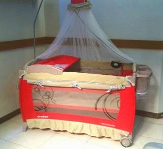Changing Table untuk Mengganti Popok Bayi