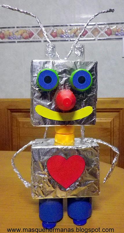 figuras con materiales reciclados