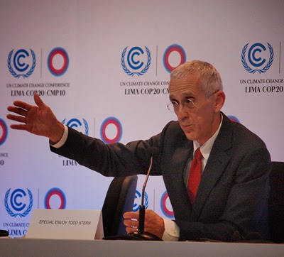 U.S. climate change negotiator Todd Stern explains the laborious proceedings in Lima, Peru. (Credit: © Carlos Garcia Granthon) Click to Enlarge.