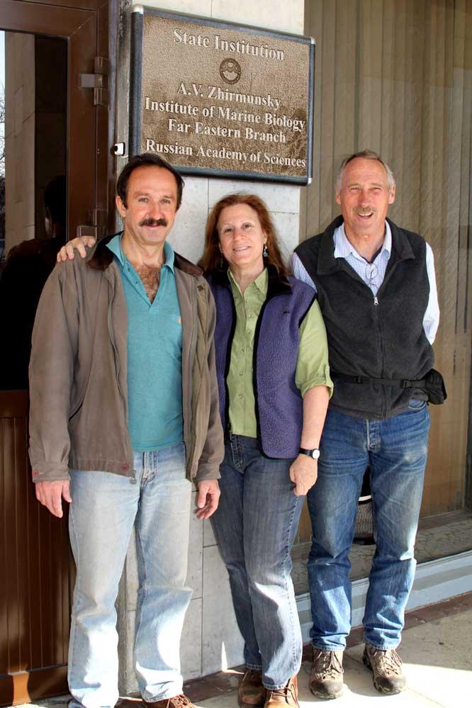 Vasily Radashevsky, Leslie Harris, John Chapman at the A.V. Zhirmunsky Institute of Marine Biology, Far Eastern Branch