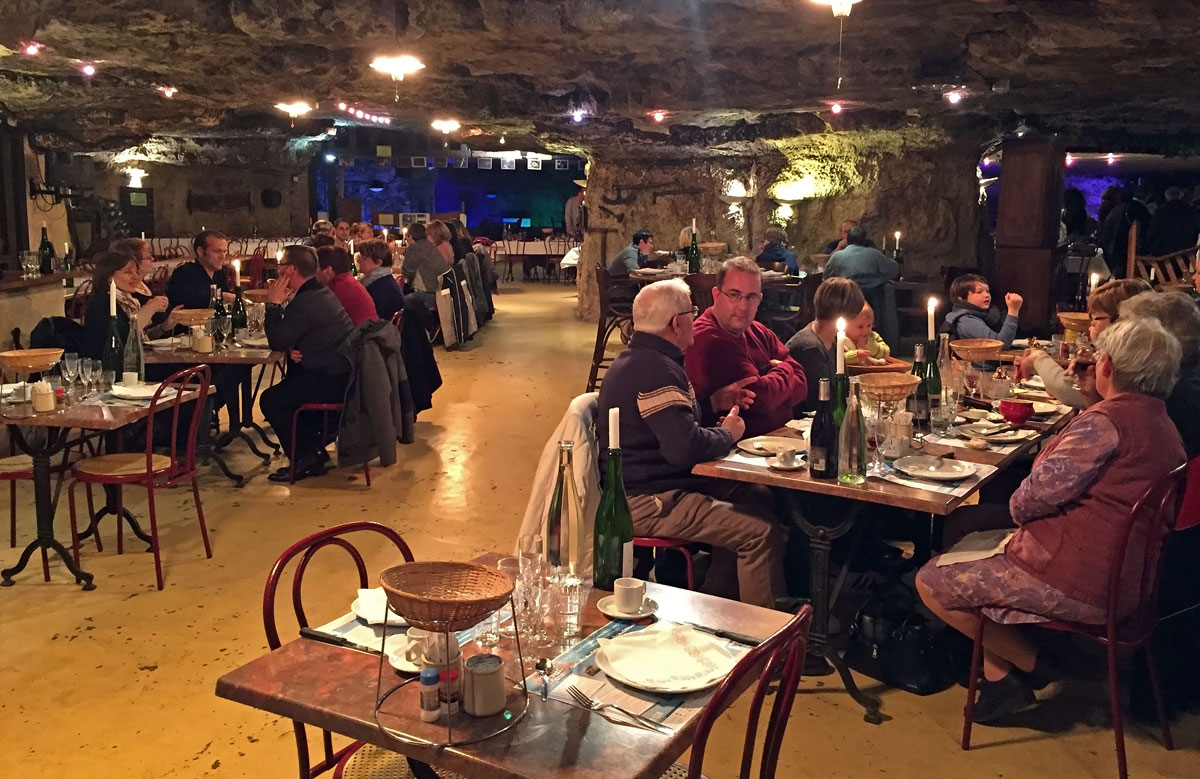 Cave aux fou es restaurant trogloditic la amboise blogul larisei - La grange a dime montreuil bellay ...
