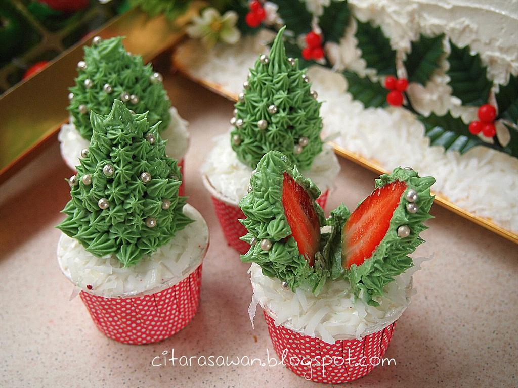Recipes today - Red Velvet Christmas Tree Cupcake