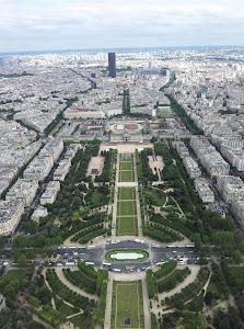 PARIS CIDADE APAIXONANTE.