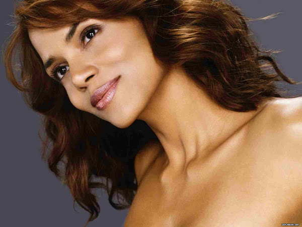 Halle Berry 028 Halle Berry photo sexywomanpics.com