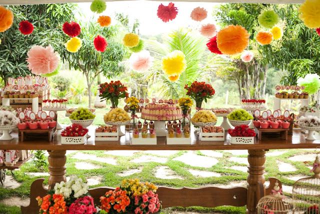 http://entretenimento.r7.com/blogs/mammy-em-dobro/festa-picnic-20130909/