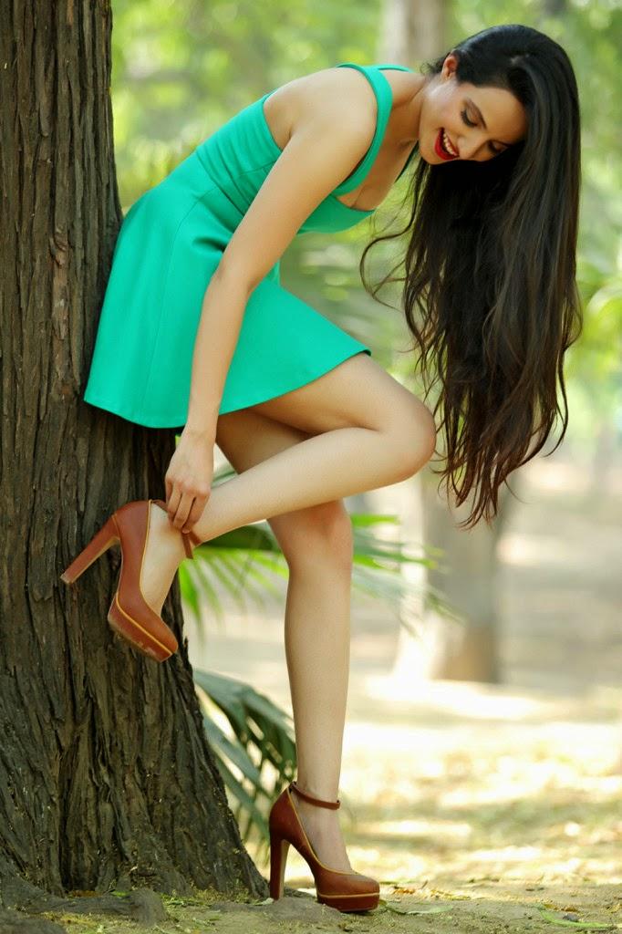 lekhika hot cleavage showing legs mini skirt pics