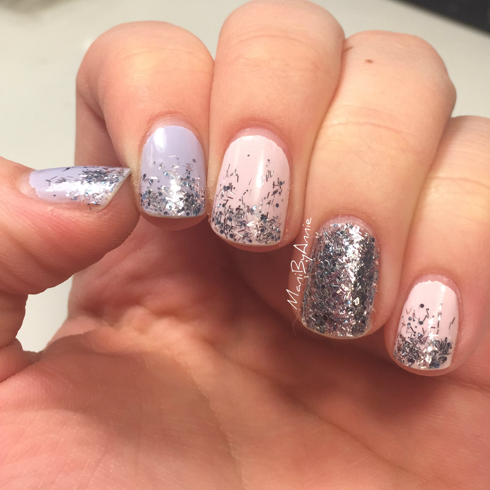 Mani by Annie: Nail Art January 2016: Day 04