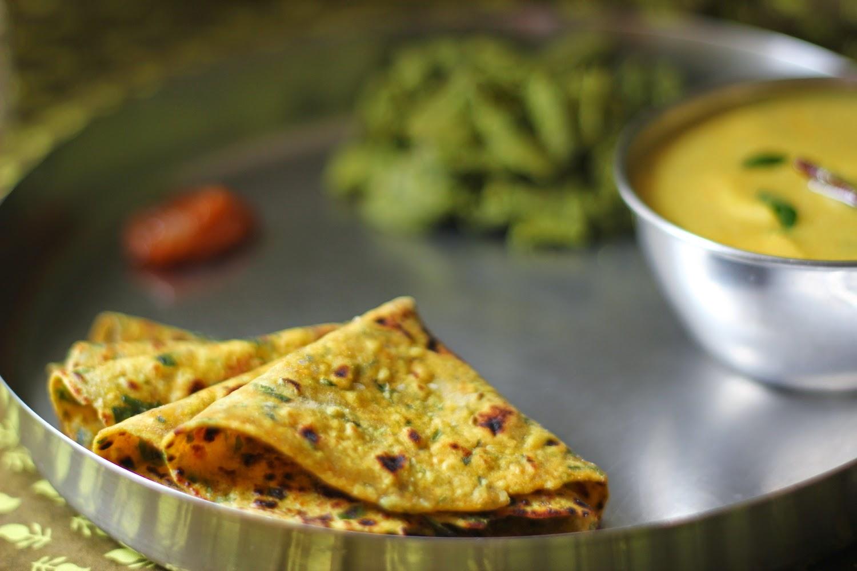 methi thepla, gujarati thali