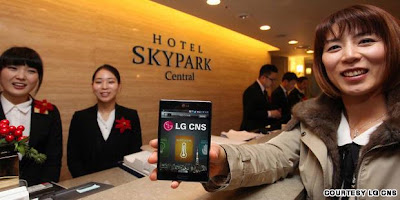 HOTEL YANG MENGGUNAKAN SMARTPHONE SEBAGI KUNCI