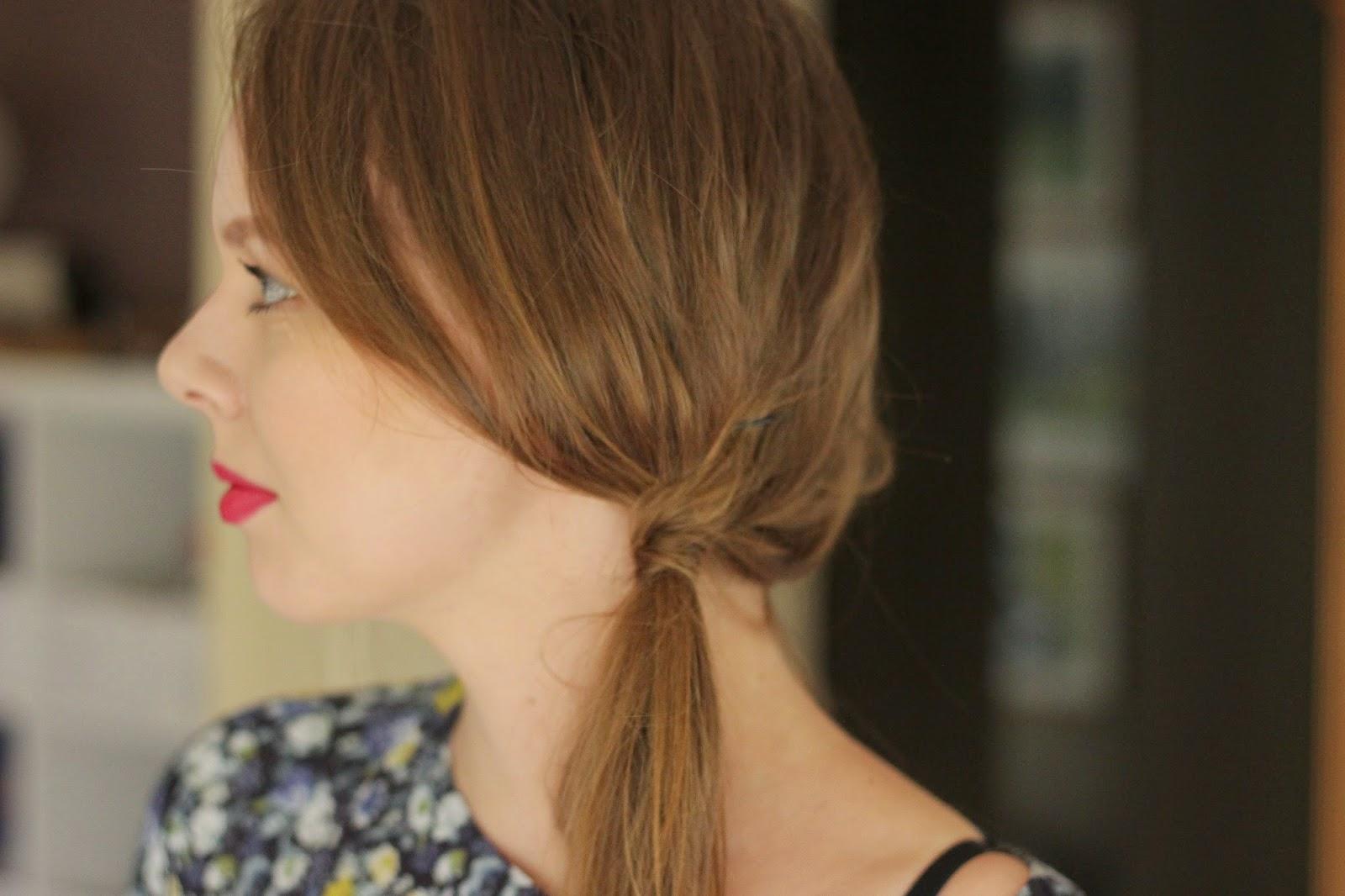 simpele haarstijlen, snelle simpele haarstijl side ponytail