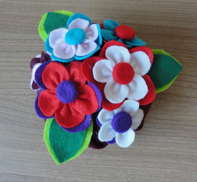 Muitas vezes Eu Amo Artesanato: Peso de porta vasinho de flor passo a passo ZI28
