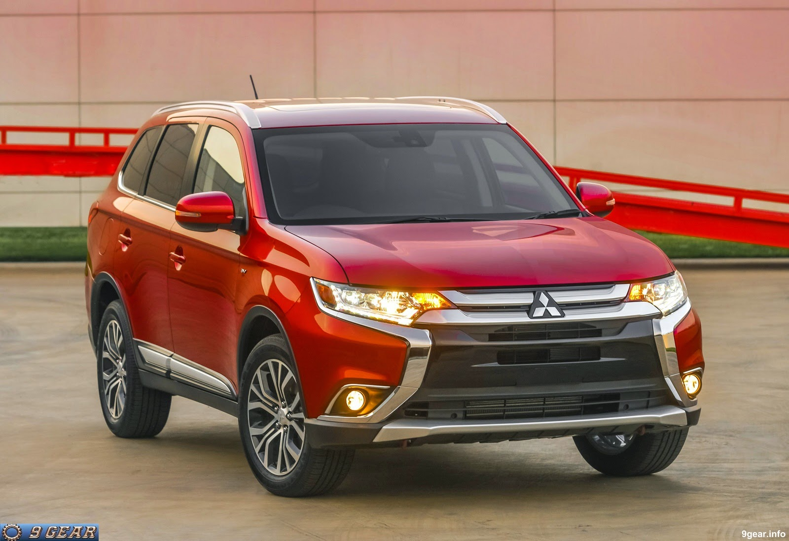 mitsubishi unveiled the 2016 outlander crossover car reviews new car pictures for 2018 2019. Black Bedroom Furniture Sets. Home Design Ideas