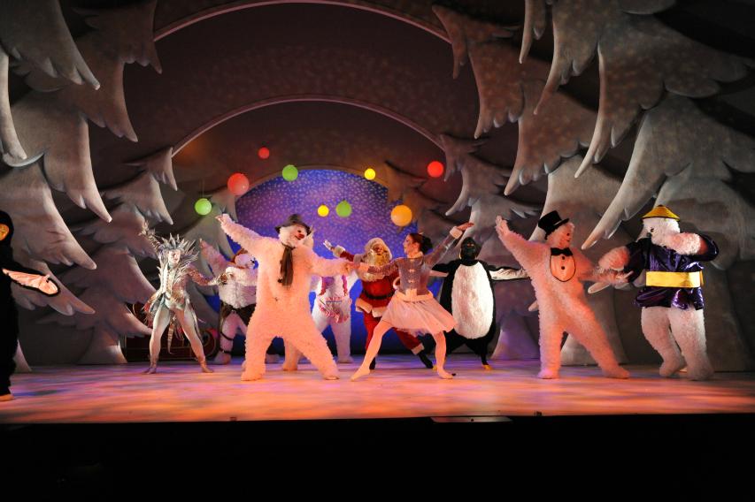Santa chorus dance at The Snowman Peacock theatre