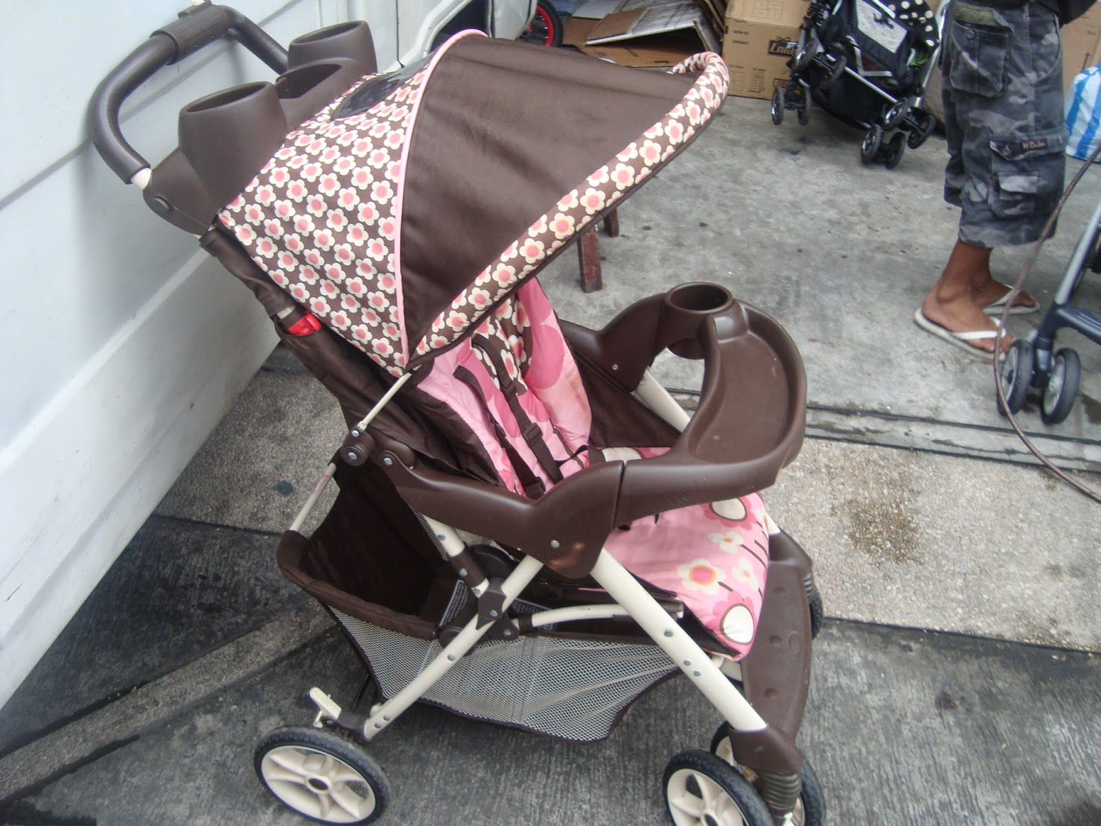Mommyslove4baby143 Graco Pink Floral Stroller 3999p Sold