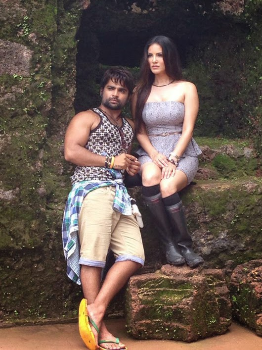 Sunny Leone's Hot Pictures From Jackpot Movie