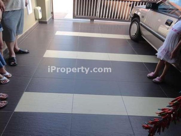 Contoh Tiles Car Porch | Joy Studio Design Gallery - Best Design