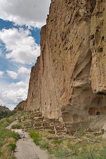 bandelier cliff dwellings